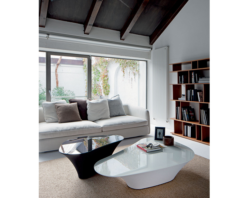 Atollo-coffee-tables-white-black-Cattelan-Italia