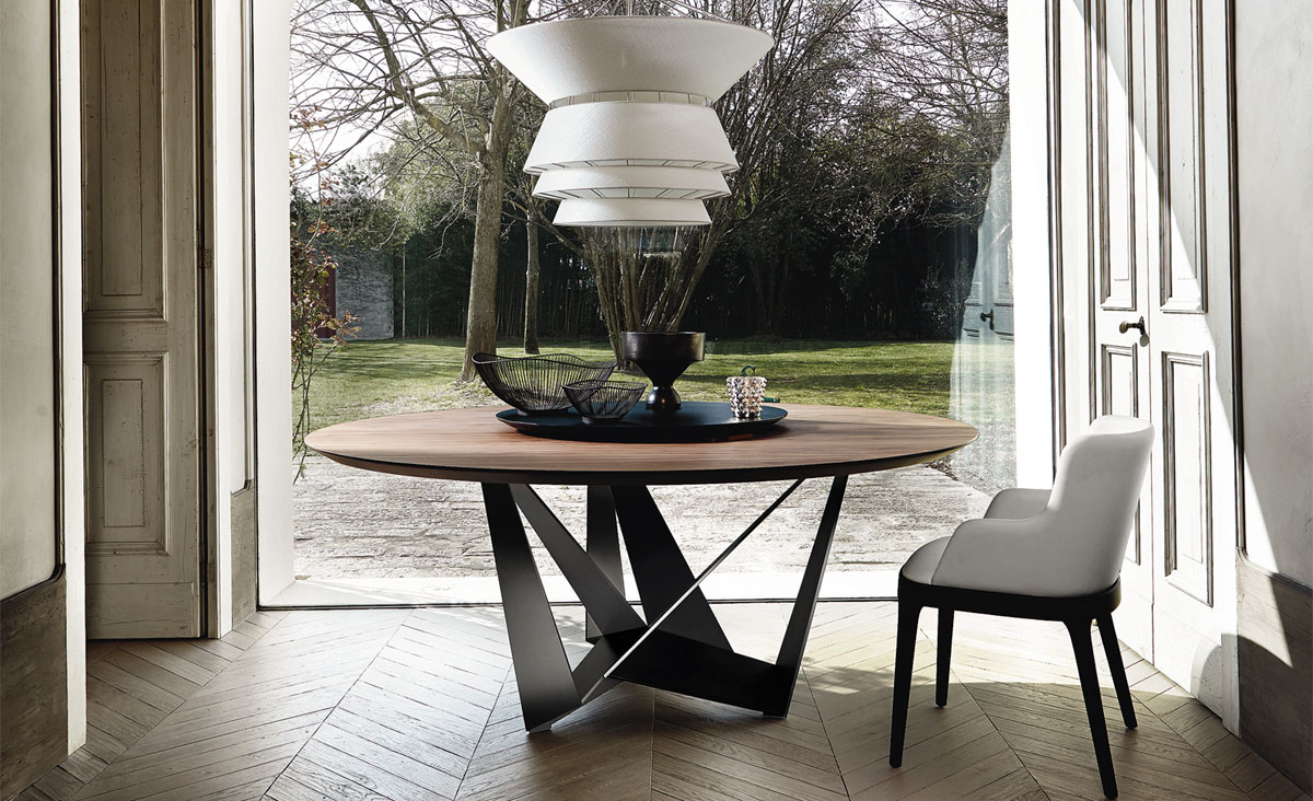 Modern Skorpio Wood Contemporary dining table by Cattelan Italia