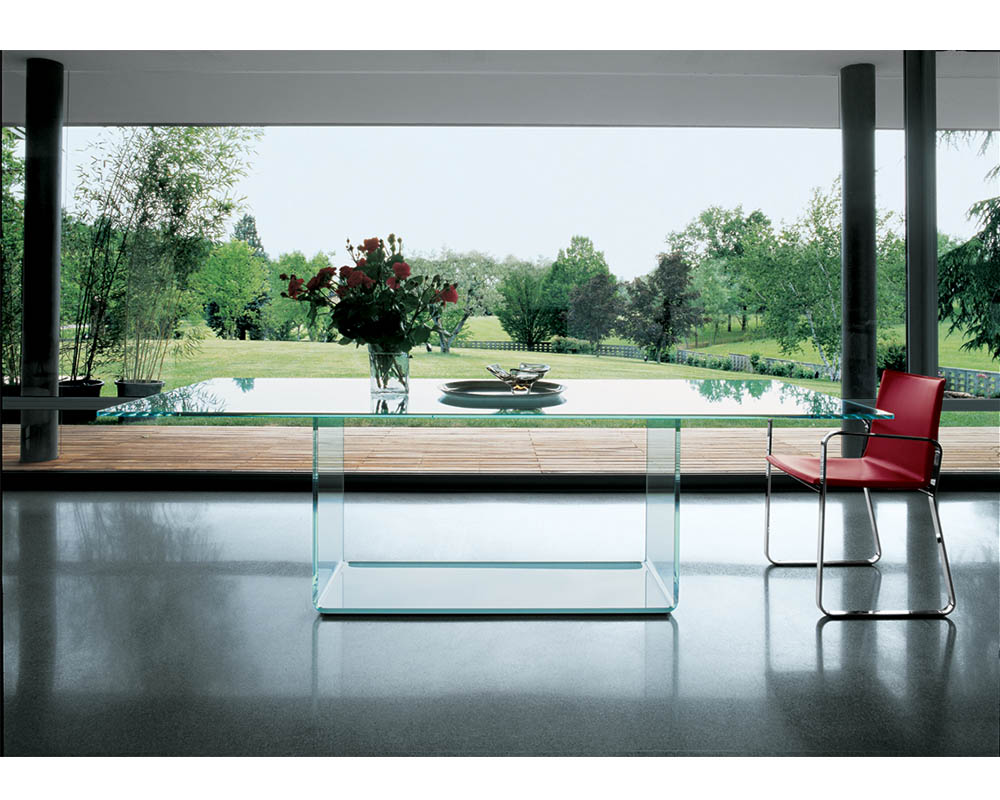 Sovet-Valencia-table-red-chair