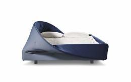Modern and Inviting Lago Col-Letto Bed