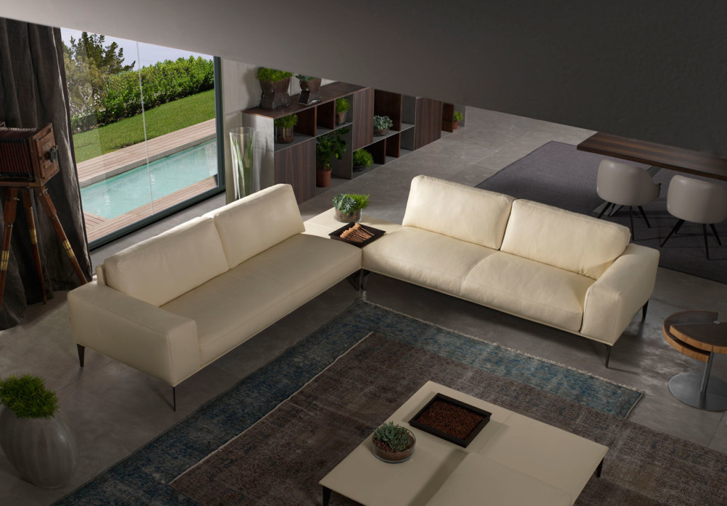 Aida sofa, design by Stefano Conficconi for Cierre Imbottiti.